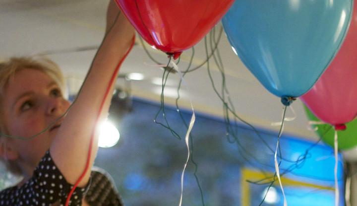 Beitragsbild von Luftballons als Musikinstrument