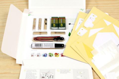 Die Materialien vom Glowing House Set