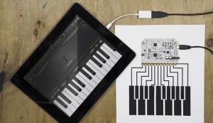 Spiele mit dem Touch Board Klavier