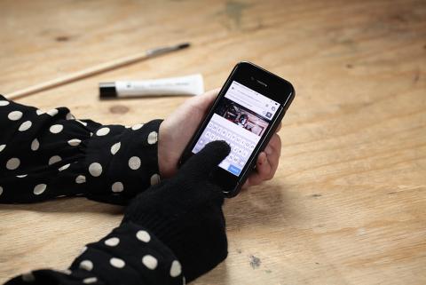 Den Touchscreen Handschuh ausprobieren