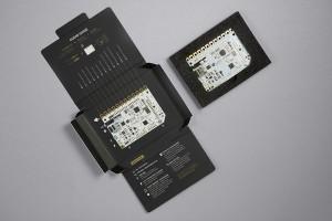 Das Touch Board und seine Verpackung